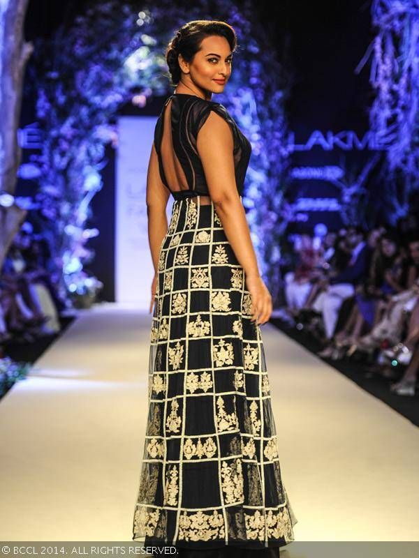 Sonakshi Sinha walks the ramp for fashion designer Manish Malhotra on Day 1 of the Lakme Fashion Week (LFW) Summer Resort 2014 , held at Grand Hyatt, Mumbai, on March 11, 2014.
