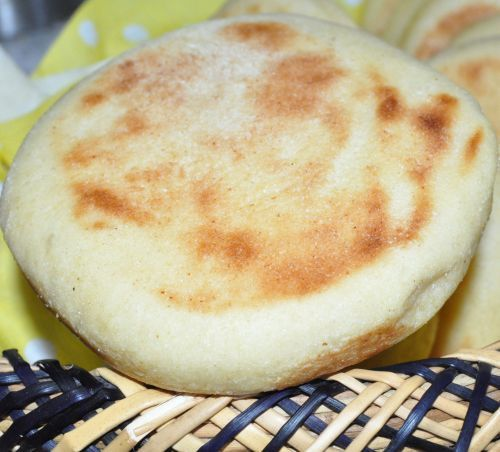 Batbout   Pain marocain cuit à la poêle