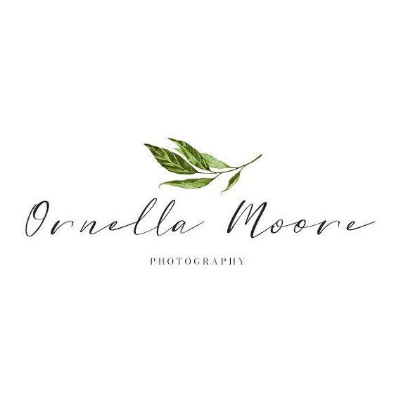 Логотип фотографа с листиком