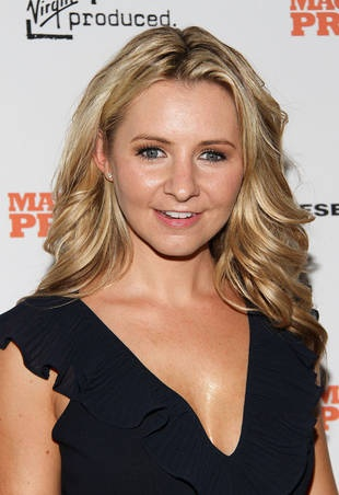 Beverley Mitchell: ''My Husband Won't Be My Facebook Friend''
