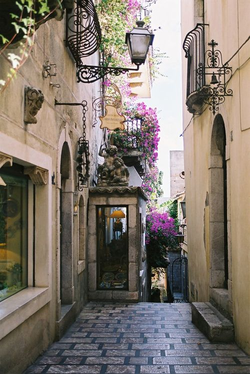 ARCHITECTURE – another great example of beautiful design. Narrow Street, Taormina, Italy photo via carrie