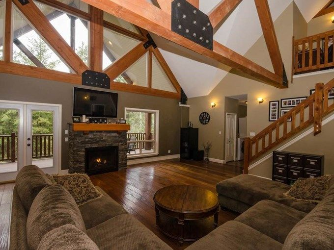 Home for Sale - 67 Shuswap River DR, Lumby, BC V0E 2G6 - MLS® ID 10079981 Rustic Country Great Room.
