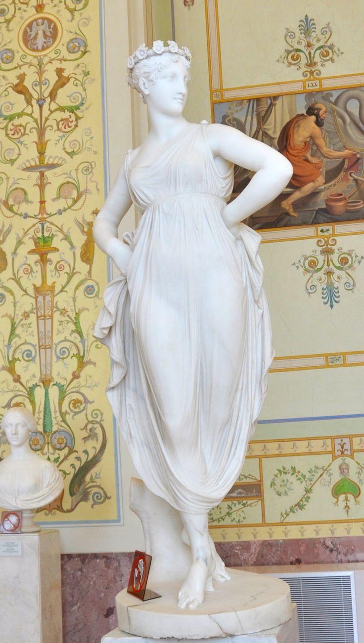 """San Pietroburgo, Museo dell'Ermitage: """"Danzatrice"""" di Antonio Canova"""