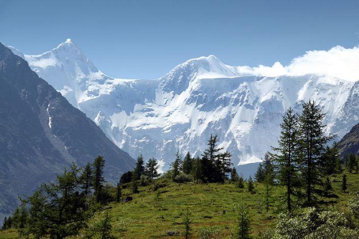 Le sommet de Belukha dans les montagnes de l'Altaï en Mongolie est montré ici. La chaîne de montagnes est considéré comme le berceau du peuple turcs
