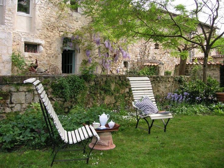 Jardin St Florent, Chambres d'hôtes 16G9510 à La Rochefoucauld, Charente