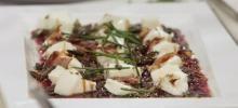 Rote Bete-Carpaccio mit gerösteten Kürbiskernen und Büffelmozzarella - Rezept mit Video - 321kochen.tv