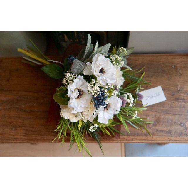 'Anemone clutch bouquet'アネモネとオリーブのクラッチブーケ | ハンドメイドマーケット minne