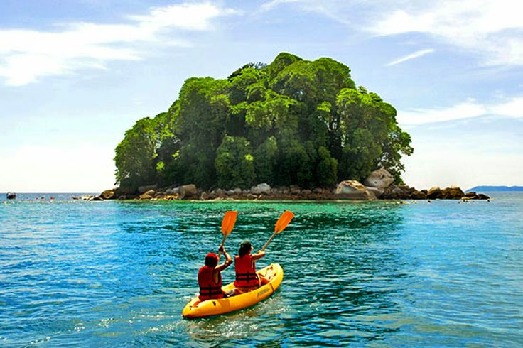 Pulau Tioman, Pahang, Malaysia – One of the most beautiful islands in the world - http://blog.travelbuddee.com/pulau-tioman-pahang-malaysia/
