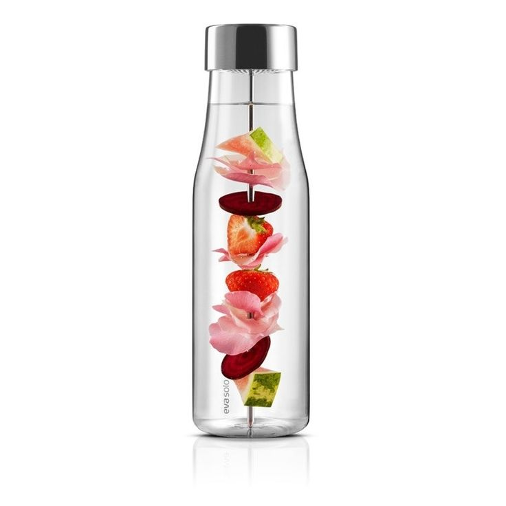 Eva Solo My Flavour Carafe: Water will never be the same again with My Flavour Carafe. Spike your water with lemon, mint, cucumber, strawberry - well just about anything you like really.  Have a refreshing summer!  Skewer can be removed and the carafe used without it Fits most fridge doors The lid ensures that the water does not absorb unwanted flavours in the fridge Dishwasher-safe