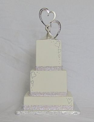Love the hearts dripping down the sides of the cake.