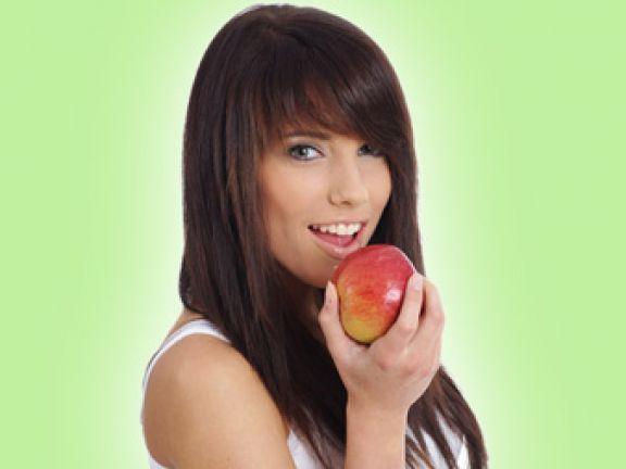 Warum Obst und Gemüse für uns so wichtig sind ist ein Artikel mit neusten Informationen zu einem gesunden Lebensstil. Auch die anderen Artikel von EAT SMARTER bieten Neuigkeiten zu den Themen Ernährung, Gesundheit und Abnehmen.