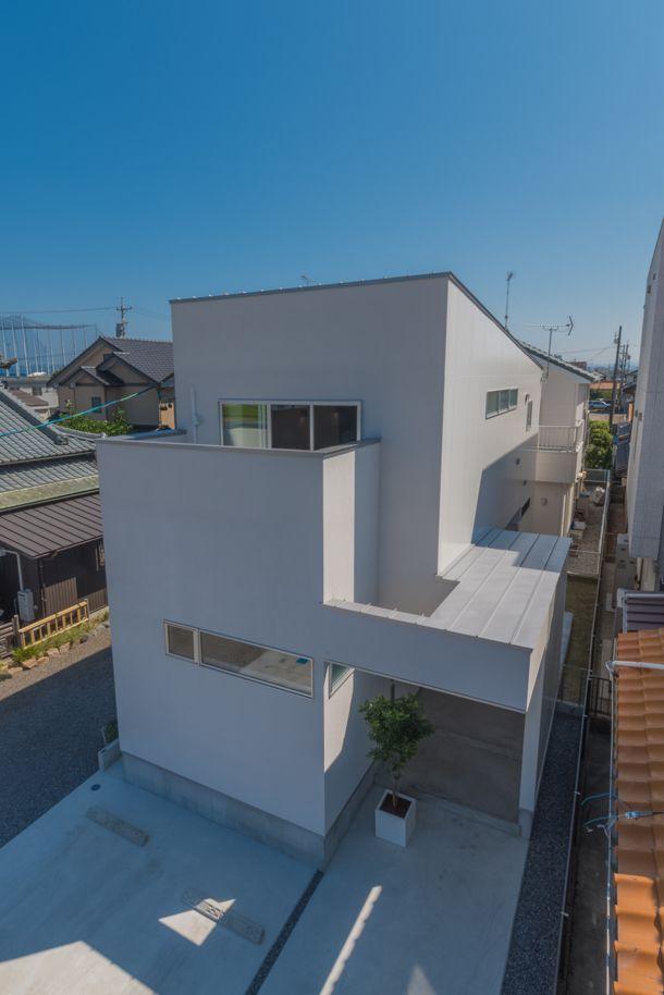 ブルーアワーが楽しめる空に抜ける家・間取り(愛知県岡崎市)   注文住宅なら建築設計事務所 フリーダムアーキテクツデザイン