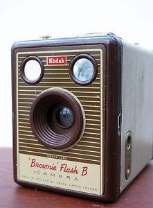 Kodak Brownie Flash 'B' BOX Camera   eBay