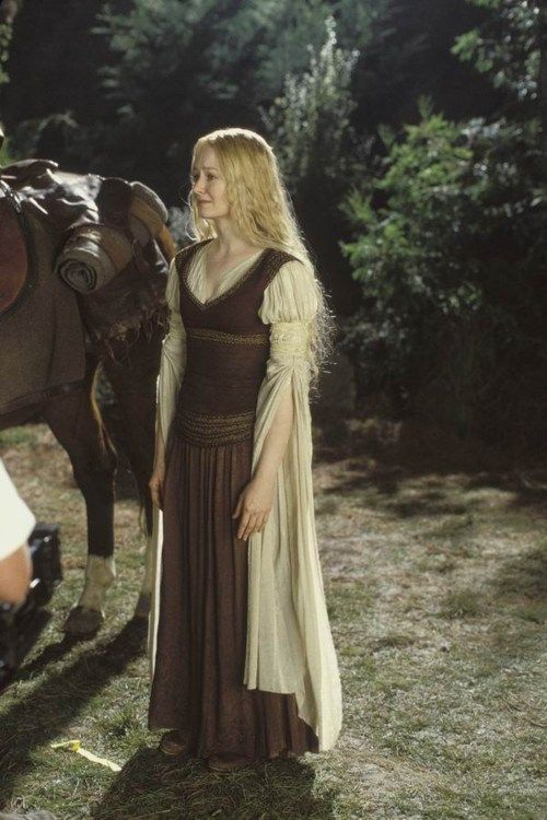 Eowyn: Lady of Rohan: clothing inspiration--except with longer sleeves, knotted to keep them off the ground and out of the way.