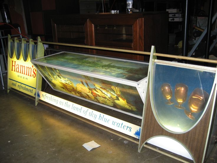 Huge Hamm's beer sign scene-a-rama fully functioning