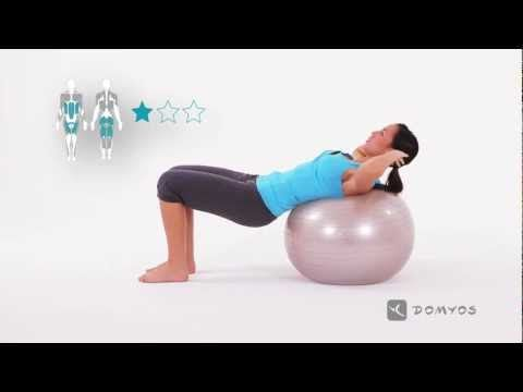 Exercice 1 abdos, fessier et enroulement colonne vertébrale - Gym Ball - Domyos