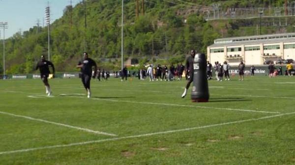 In an effort to increase safety, the Pittsburgh Steelers have brought in robots for defensive tackling practices. Will robots ever replace humans on the football field? Mike Florio weighs in.