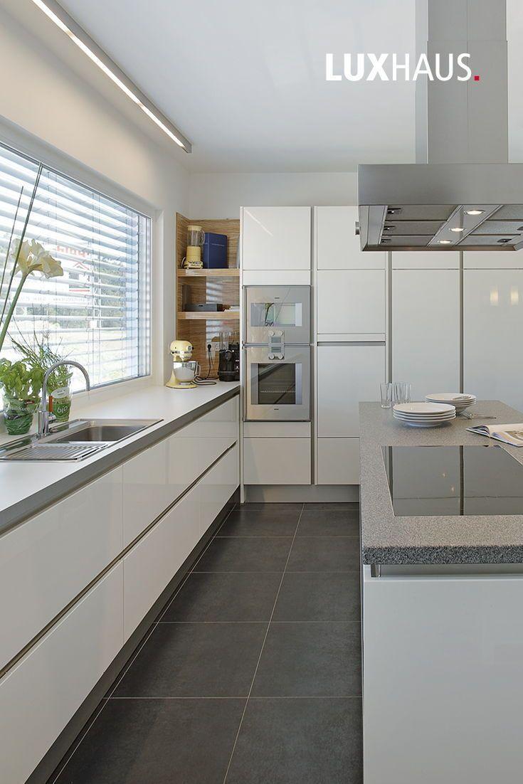 Kuche Kucheneinrichtung Kuchengestaltung Inneneinrichtung Weissekuche Architecture Designs Keukeninterieur In 2020 Kuchen Design