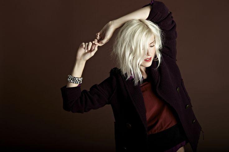 White Hair, Hair Hair, Hair Colors, Platinum Blondes, Short Wavy Hairstyles, Hairstyles 2014, Hair Style, Shorts Wavy, Long Bobs