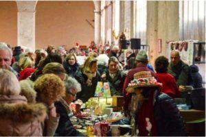 """Arriva dicembre, tempo di Natale e mercatini da scoprire. Torna il tradizionale mercatino americano """"Christmas Bazaar"""" organizzato da AILO."""