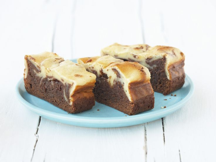 Unsere zwei Lieblingskuchen kombiniert: Brownie-Käsekuchen   Zeit: 30 Min.   http://eatsmarter.de/rezepte/brownie-kaesekuchen