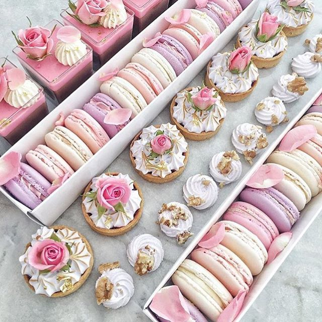 «Dessert hampers for your next event  What a gorgeous idea | @le_pink_petite_patisserie__mkr | #bridesjournal»