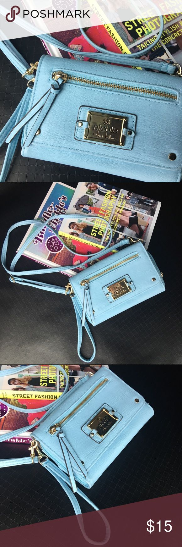 Nicoleby Nicole Miller Crossbody Wallet Great condition! Fits my iPhone Plus great! Nicole by Nicole Miller Bags Crossbody Bags