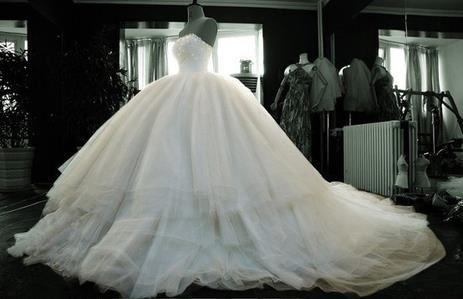 BIG GRAND PUFFY Wedding Dress