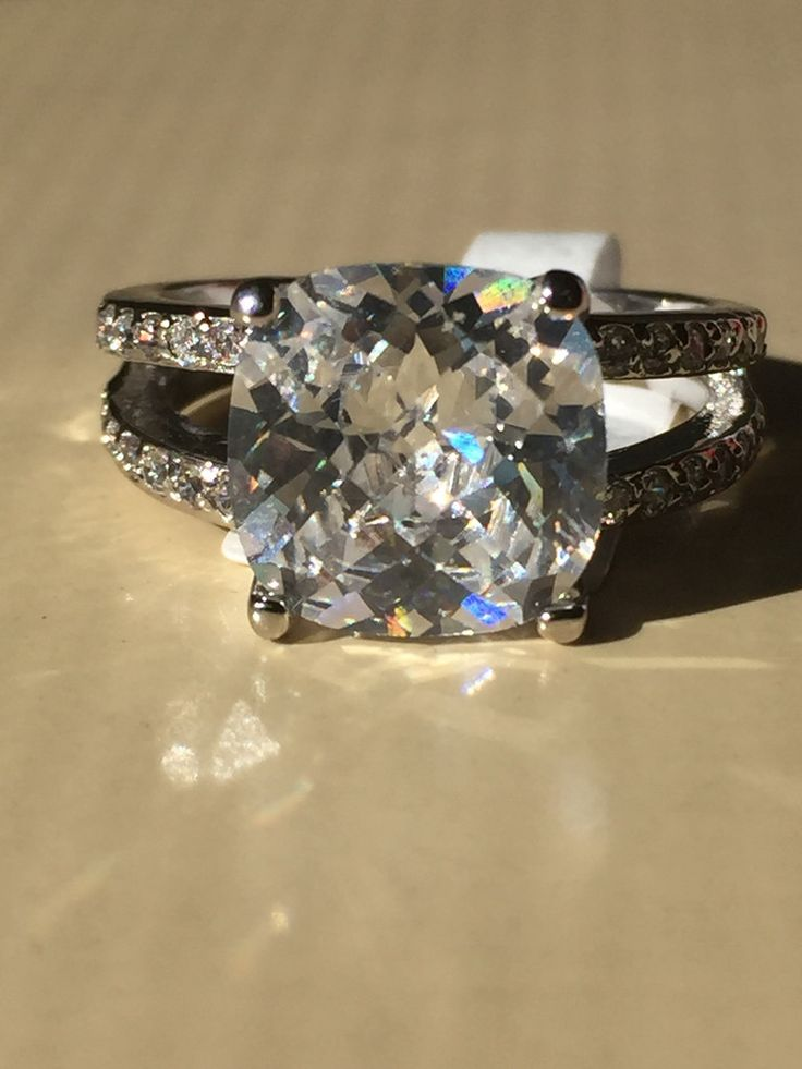 NEW!!  A Perfect 4.4CT Cushion Cut Solitaire Russian Lab Diamond Split Shank Engagement Ring