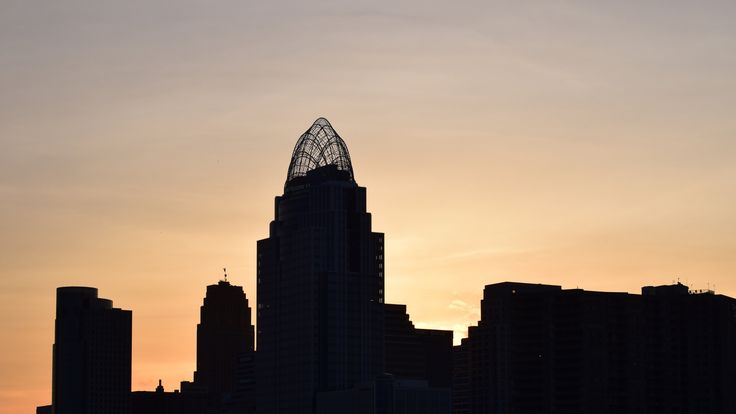 Cincinnati skyline at sunset by Dianne de Mott on 500px