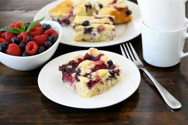 Coconut Berry Cake
