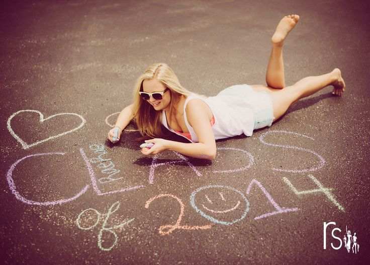 senior picture ideas for girls 2014 | senior 2014 class of 2014 chalk | Great…