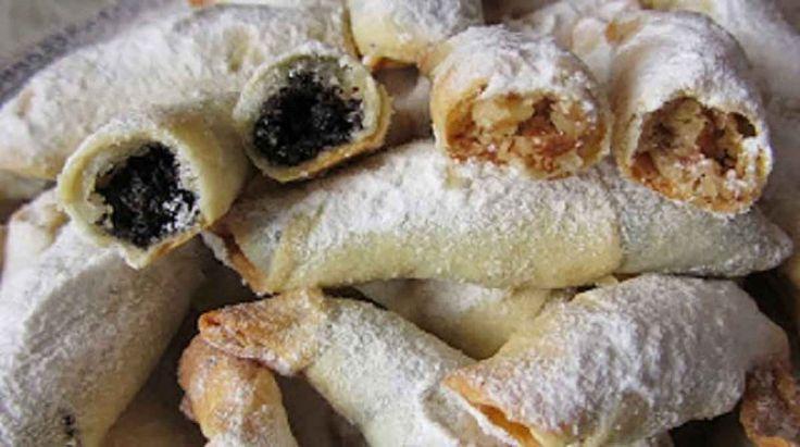 Cornulete cu smantana umplute cu nuca sau marmelada, după o rețetă veche folosită de bunciii noștri. O rețetă simplă făcută din ingredinte puține.