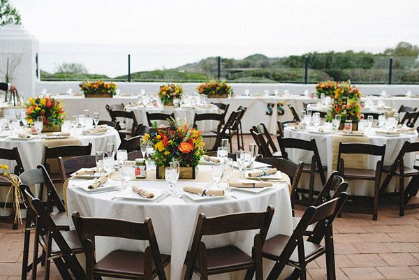 How to pick out wedding linens. #weddingplanning #decorations