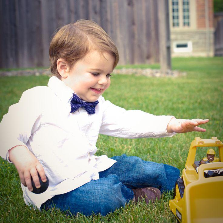 Little John Neckwear : blue pin dot bow tie