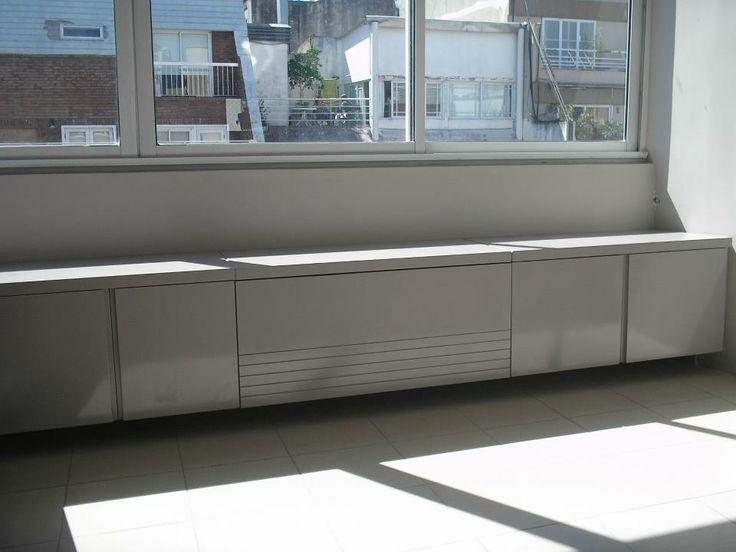 Mueble bajo ventana laqueado muebles pinterest for Mueble zapatero bajo