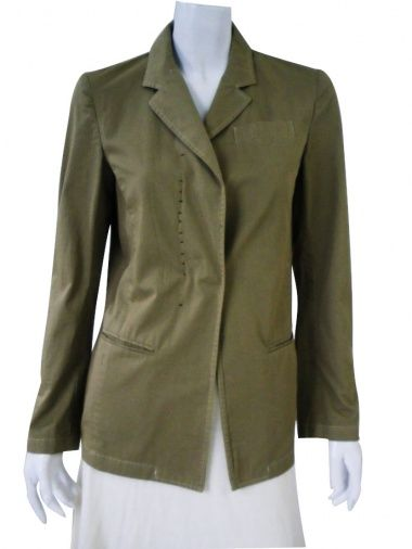 Straight classic jacket in ecofriendly cotton fabric, thread and breast pocket. Sale Price $159.00