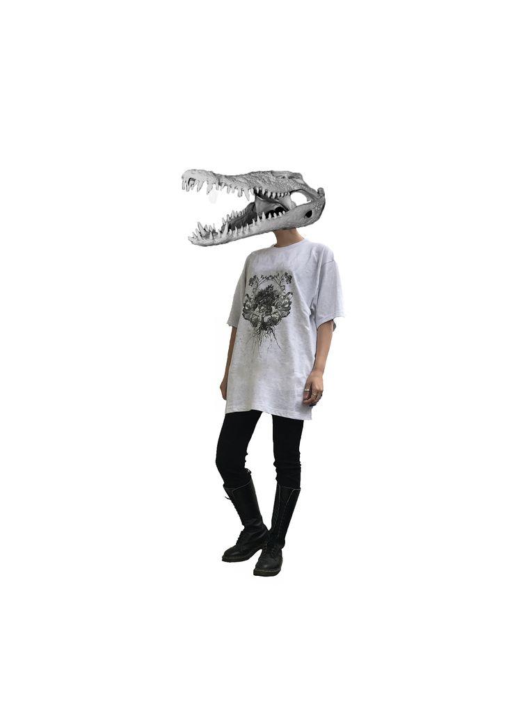 オリジナルデザインTシャツ #originaldesign#tshirt #monotone#outfit