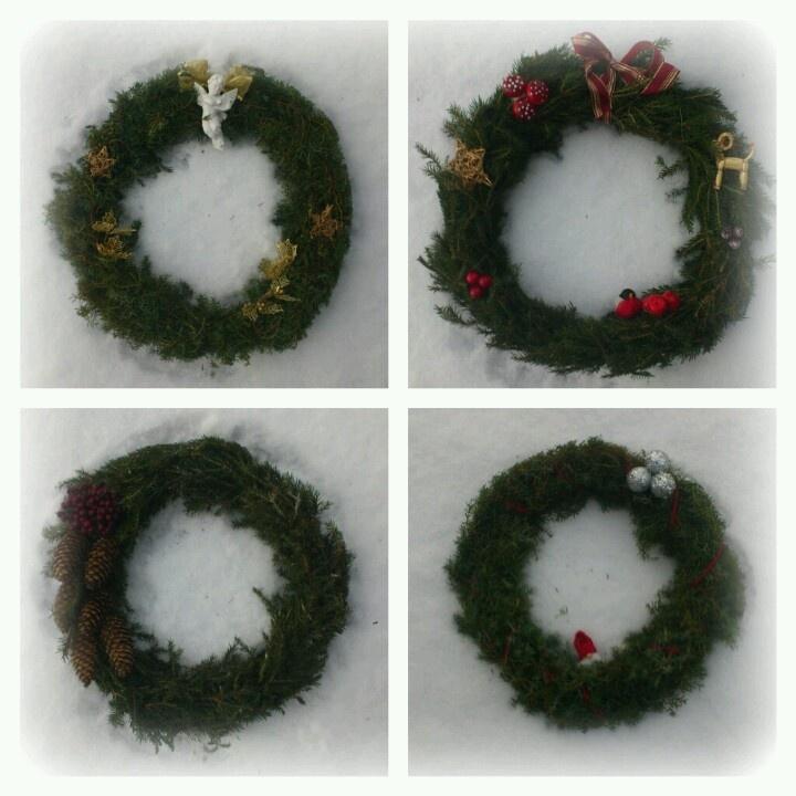 Four wreaths for christmas!