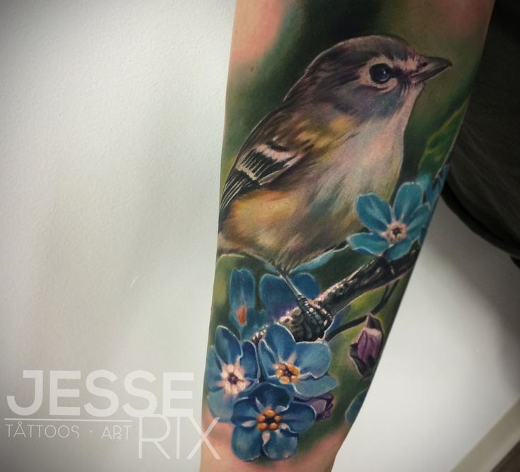 This is an amazing, so realistic tattoo! I want it!