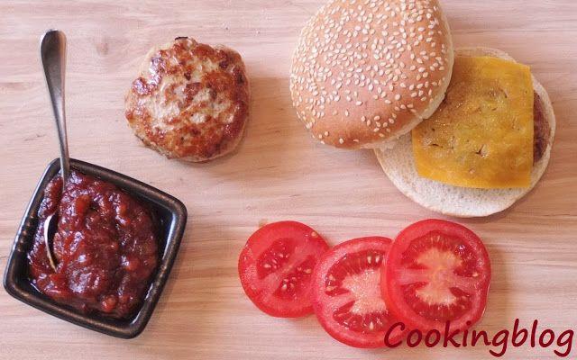 Cooking: Mini burgers, pork with bbq sauce