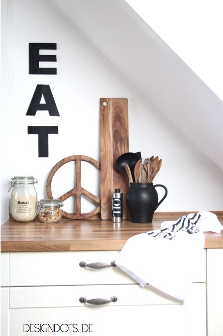 """rustic scandinavian kitchen DIY letters """"eat"""""""