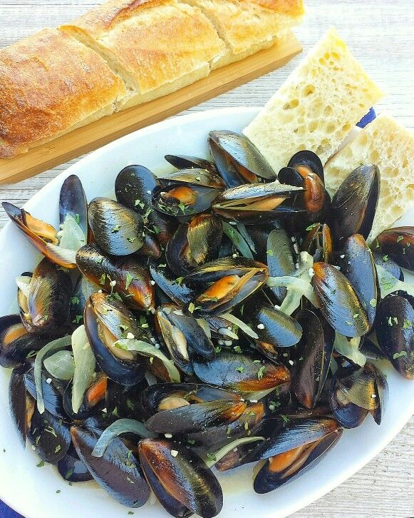1000+ ideas about Steamed Mussels on Pinterest | Mussels, Mussel ...