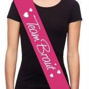 Pinke Team Braut-Schärpe mit Herzen als JGA-Outfit