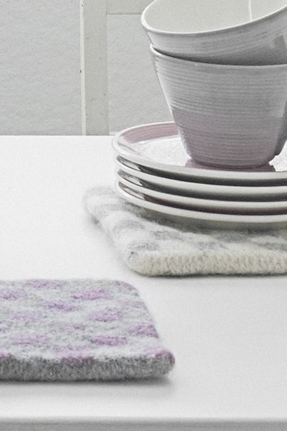 Novita felting ideas, pot coasters made with Novita Joki (River) yarn #novitaknits https://www.novitaknits.com/en