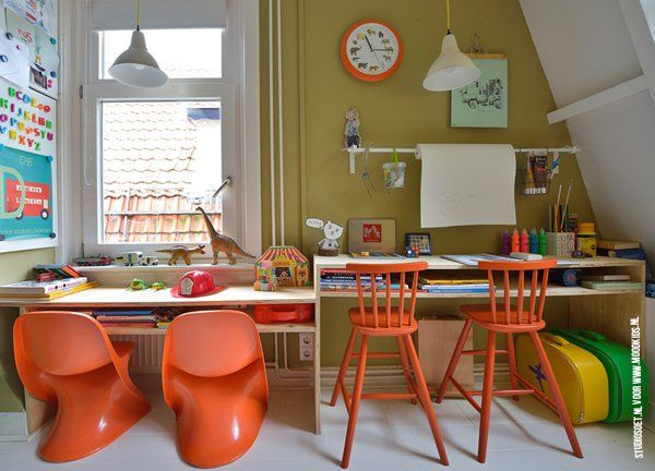 Wie niet groot behuisd is of veel kinderen heeft, heeft al snel slaapkamers tekort! Lees de tips slaapkamer delen van styliste Myrthe van StudioSoet.nl.