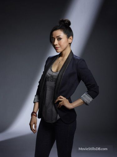 Lucifer - Promo shot of Aimee Garcia