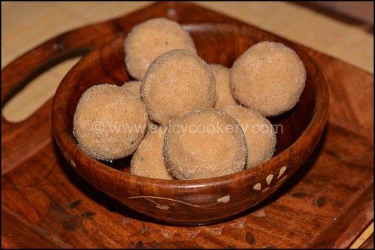 Wheat Flour Ladoo/ Atta Laddu Recipe | http://spicycookery.com/wheat-flour-ladoo-atta-laddu-recipe/