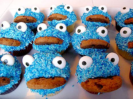 Cookie monster cupcakes.  Ate these goodies at a birthdayparty last weekend! Wonderful!