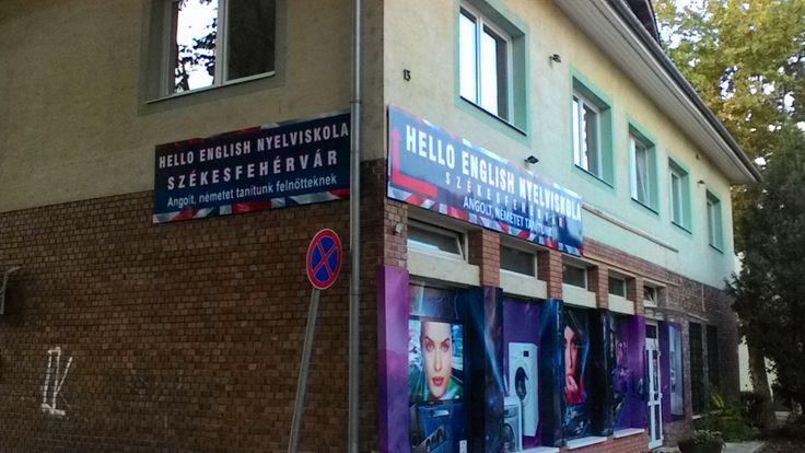 Nyelviskola épülete a Deák Ferenc utca felől.